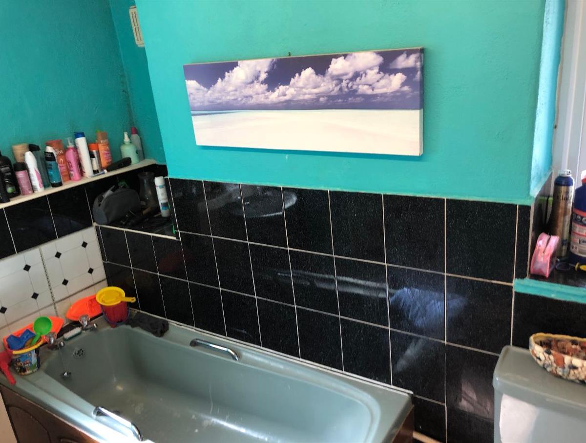 Family bathroom of maisonette